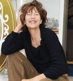 Jane Birkin Lights Up Christmas Tree